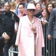 "Lady Gaga, toute vêtue de rose, arrive à l'émission ""Good Morning America"" à New York le 21 octobre 2016."