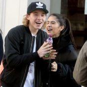 Brooklyn Beckham : Rires complices et tendre accolade avec la chérie de Rocco