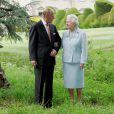 La reine Elisabeth II et le duc d'Edimbourg de retour à Broadlands en 2007, 60 ans après leur nuit de noces là-bas...