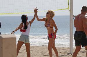 Sharon Stone en beach-volleyeuse : à 58 ans, la star est toujours aussi canon