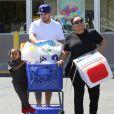 Rob Kardashian est allé faire du shopping chez Toy R Us avec King Cairo Stevenson, le fils de sa petite amie Blac Chyna à Calabasas, le 23 mars 2016