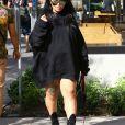 Exclusif - Blac Chyna enceinte quitte un centre médicale accompagnée d'une amie à Beverly Hills, le 28 octobre 2016.