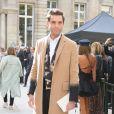"""Le chanteur Mika - People arrivant au défilé de mode """"Valentino"""", collection prêt-à-porter Printemps-Eté 2017 à Paris, le 2 octobre 2016. © CVS/Veeren/Bestimage"""