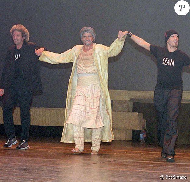 Elie Chouraqui, Pascal Obispo, Daniel Levi, Anne Warin - Générale du spectacle Les Dix Commandements, à Paris, le 12 octobre 2000
