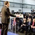 Emmanuel Macron, responsable du mouvement En Marche, se déclare candidat à la présidentielle 2017 lors d'une déclaration dans un centre d'apprentrissage de Bobigny, le 16 novembre 2016. Son épouse Brigitte est au premier rang © Agence/Bestimage
