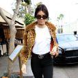 """Kendall Jenner et Scott Disick font du shopping chez Barneys New York à Beverly Hills, le 12 octobre 2016"""