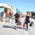 Exclusif - Caroline Ithurbide et Nina Morato dans les Souks de Djerba lors des 'Escapades des stars' le 11 Novembre 2016. © Denis Guignebourg / Bestimage