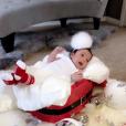 La petite Dream déguisée en bébé de Noël fait la promotion de la marque de chausettes de son père, Rob Kardashian. Photo publiée sur Instagram le 26 novembre 2016