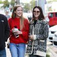 Lana Del Rey déjeune avec sa soeur Caroline Grant au Zinque Café, à Los Angeles le 27 novembre 2016.