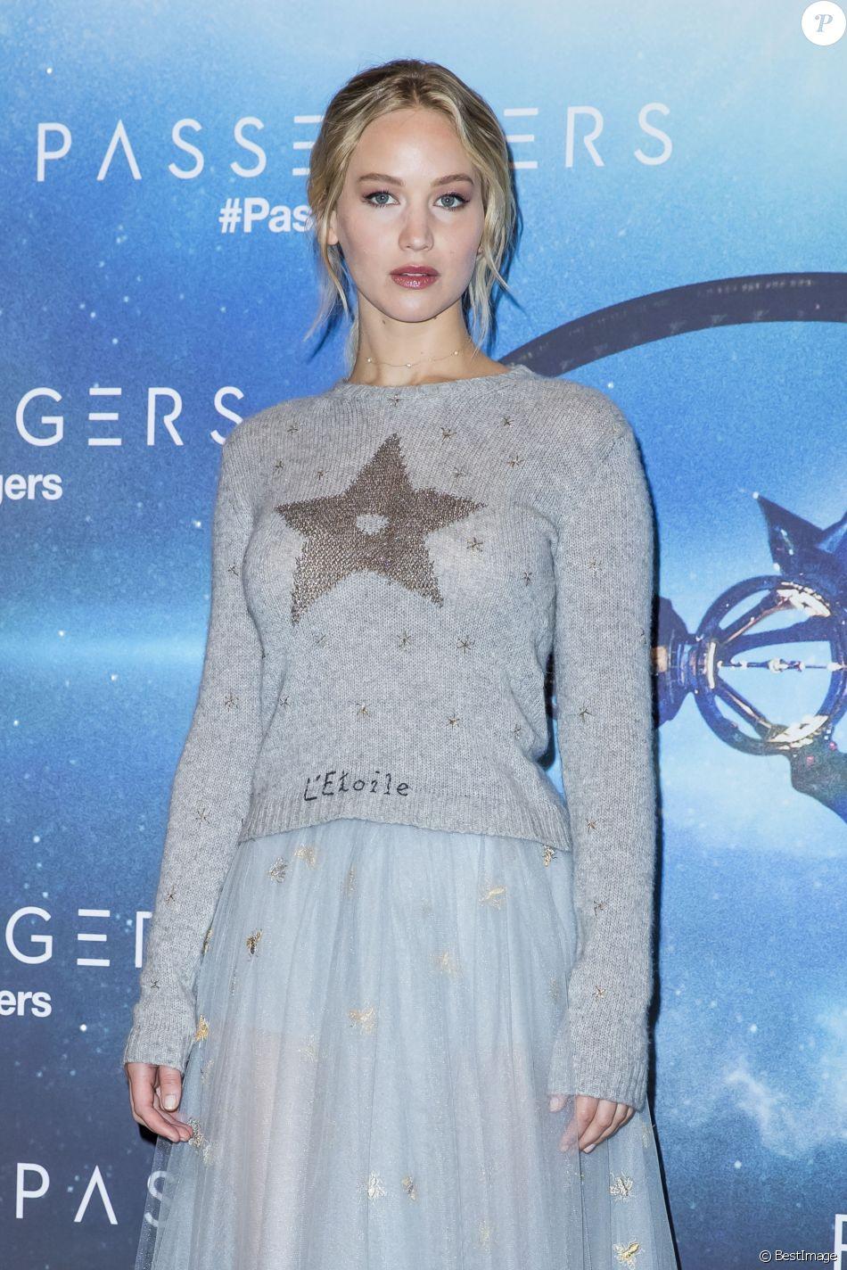 """Jennifer Lawrence - Photocall du film """"Passengers"""" au Georges V à Paris le 29 novembre 2016. © Olivier Borde/Bestimage"""