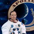 Edgar Mitchell, l'un des douze hommes qui a marché sur la lune, est mort à l'âge de 85 ans le 4 février 2016 à West Palm Beach en Floride. Il faisait partie de la mission Apollo 14.