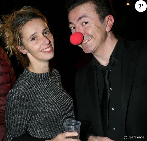 """Exclusif - Gérald Dahan et sa femme Claireà l'inauguration du bateau théâtre de Gérald Dahan """"Le Nez Rouge"""" au Bassin de la Villette à Paris le 1er décembre 2016."""