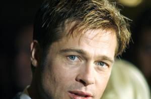 Brad Pitt offre à ses gosses les mêmes cadeaux de Noël que ceux reçus quand était enfant...