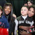 Naomi Campbell et Afef Jnifen avec des enfants