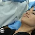 """Manon Marsault se fait faire des injections dans un reportage diffusé dans """"66 minutes"""" sur M6. Le 15 mai 2016."""