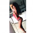 Adixia met en avant son postérieur bombé sur son compte Instagram. Juillet 2016.