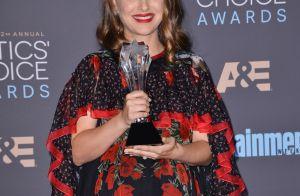 Critics' Choice Awards : Natalie Portman enceinte et triomphante pour