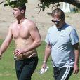 Robin Thicke passe la journée au ranch de son père Alan avec son fils Julian à Santa Barbara. Le 29 mars 2015