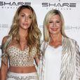 """Olivia Newton-John et sa fille Chloe Lattanzi au 35 ème anniversaire de la sortie de """"Xanadu"""" le 9 août 2015"""