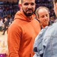 Le rappeur Drake va assister au match de basket Lakers contre les Golden State Warriors au Staples center de Los Angeles le 4 novembre 2016
