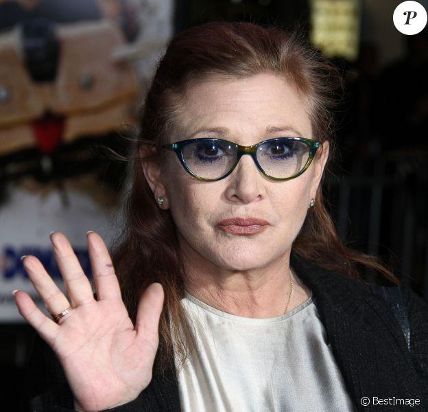 """Carrie Fisher - Première du film """"Dumb et Dumber To"""" à Westwood le 3 novembre 2014."""