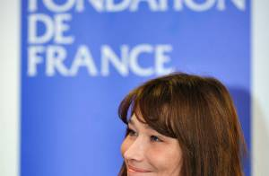 PHOTOS : Carla Bruni-Sarkozy offre les bénéfices de son album, soit... 238 000 euros ! TOUTES LES PHOTOS (réactualisé)