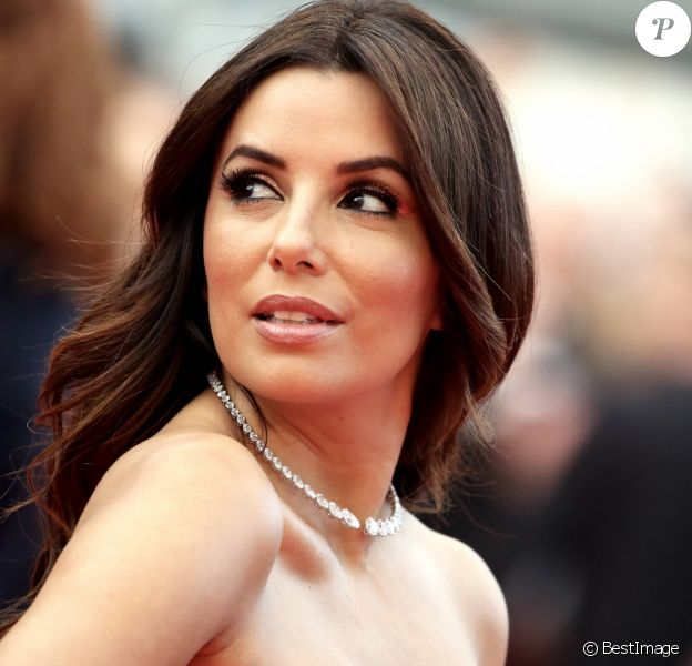 "Eva Longoria - Montée des marches du film ""Money Monster"" lors du 69ème Festival International du Film de Cannes. Le 12 mai 2016."