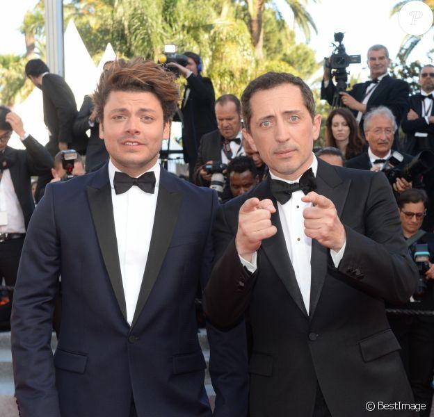 """Kev Adams et Gad Elmaleh à la montée des marches du film """"Elle"""" lors du 69e Festival International du Film de Cannes. Le 21 mai 2016. © Rachid Bellak / Bestimage"""