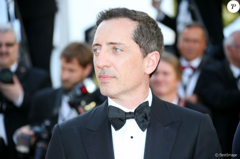 gad elmaleh mont e des marches du film elle lors du 69e festival international du film de. Black Bedroom Furniture Sets. Home Design Ideas