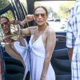 """""""Jennifer Lopez et ses jumeaux Max and Emme font une pause déjeuner pendant une séance shopping avec des amis à Miami, Floride, Etats-Unis, le 27 novembre 2016"""""""