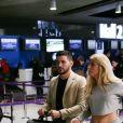 """Exclusif - Anthony (La Villa des Coeurs Brisés) , Mélanie (La Villa des Coeurs Brisés 2) - Les candidats à l'émission """"Les Anges 9"""" partent de l'aéroport CDG à Roissy en France pour Miami le 2 janvier 2017."""