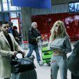 """Exclusif - Anthony (La Villa des Coeurs Brisés) et Mélanie (La Villa des Coeurs Brisés 2) - Les candidats à l'émission """"Les Anges 9"""" partent de l'aéroport CDG à Roissy en France pour Miami le 2 janvier 2017."""