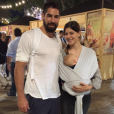 """Nikola Karabatic pose avec son fils Alek et sa compagne Géraldine sur Instagram."""