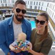 Nikola Karabatic pose avec son fils Alek et sa compagne Géraldine sur Instagram.