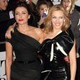 """Kylie Minogue et Dannii Minogue - Arrivée des people à la soirée des """"Brit Awards 2014"""" en partenariat avec MasterCard à Londres, le 19 février 2014."""