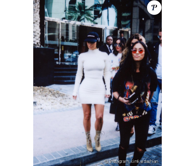 Kim Kardashian en voyage à Dubaï. La starlette est accompagnée de son assista...