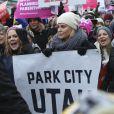 Mary McCormack et Charlize Theron - Les célébrités participent à la 'marche des femmes' contre Trump lors du Festival du Film Sundance à Park City en Utah, le 21 janvier 2017