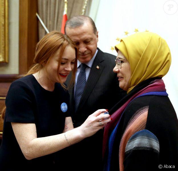Lindsay Lohan rencontre le président turc Erdogan et sa femme, à Ankara, le 27 janvier 2017