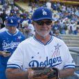 Alan Thicke lors du Dodgers Hollywood Stars Night Game au Dodger Stadium à Los Angeles, le 27 août 2016 © Prensa Internacional via Zuma/Bestimage