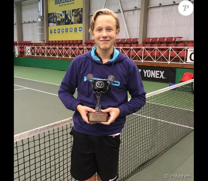 leo borg 13 ans et fils du champion de tennis bj rn borg. Black Bedroom Furniture Sets. Home Design Ideas