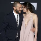 Dakota Johnson décolletée et Jamie Dornan: Le duo de 50 Shades Darker sensuel
