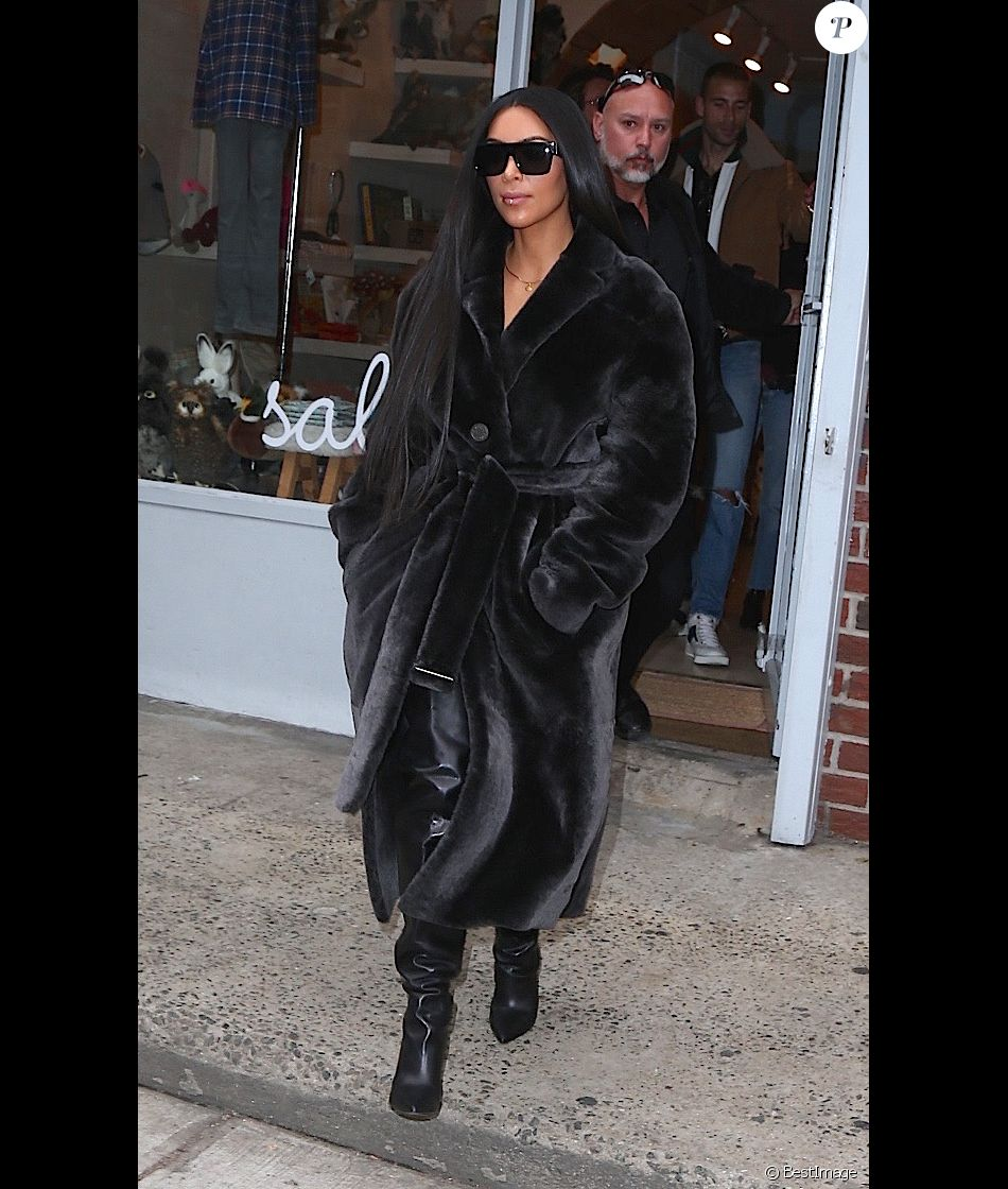 kim kardashian fait du shopping avec son meilleur ami. Black Bedroom Furniture Sets. Home Design Ideas