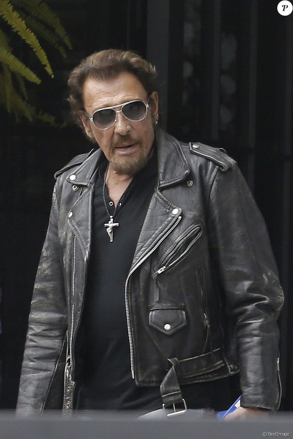Exclusif johnny hallyday johnny hallyday quitte sa - Housse de couette johnny hallyday ...