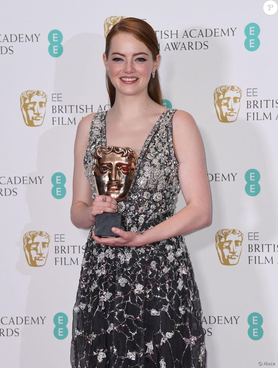 Emma Stone en press room lors des EE British Academy Film Awards au Royal Albert Hall, Londres, le 12 février 2017.
