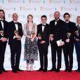 L'équipe de La La Land, Linus Sandgren, Fred Berger, Emma Stone, Justin Hurwitz, Jordan Horowitz, Damien Chazelle et Marc Platt en press room lors des EE British Academy Film Awards au Royal Albert Hall, Londres, le 12 février 2017.