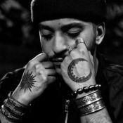 Slimane (The Voice 5) : La signification de ses tatouages à la main