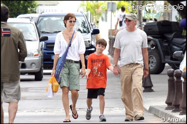 richard gere saint barth 39 avec sa femme carey et leur fils homer james. Black Bedroom Furniture Sets. Home Design Ideas