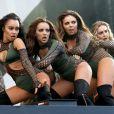 Leigh Anne Pinnock, Jade Thirlwall, Jesy Nelson et Perrie Edwards du groupe Little Mix sur scène pour le V Festival à Hylands Park le 11 décembre 2016