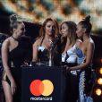 Le groupe Little Mix (Perrie Edwards, Jesy Nelson, Jade Thirlwall, Leigh-Anne Pinnock) reçoit le Best British Single Award à la soirée des Brit Awards 2017 à Londres, le 22 février 2017