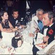 Paul Belmondo, Alain Terzian, Charles Gérard, Jean-Paul Belmondo, Madeleine Belmondo, Florence Belmondo, à Paris en 1977 au Lido